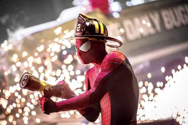 amazing-spider-man-2-firefighter